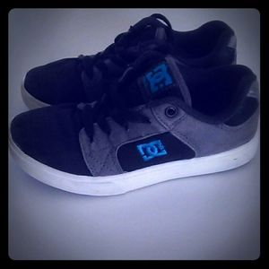 Youth DC sneakers